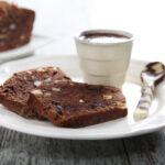 Plumcake al cioccolato con nocciole